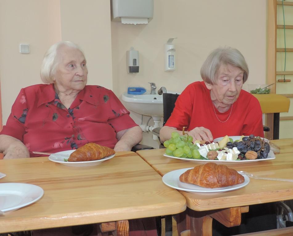 Pani Janeczka oraz Pani Alicja w trakcie francuskiego popołudnia.