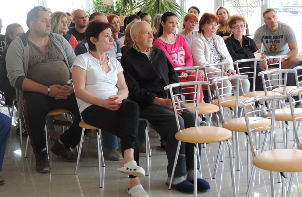 Zaciekawieni uczestnicy spotkania z Ryszardem Kaliszem.